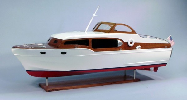 Chris Craft Commander Express Cruiser 1954