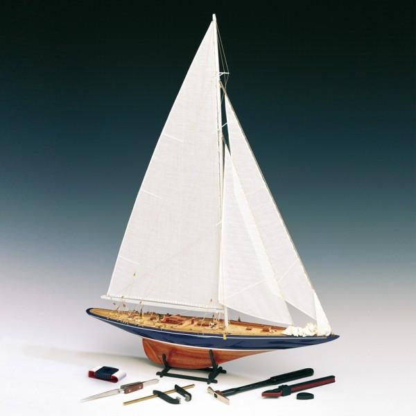 Endeavour 1934 mit Werkzeugset