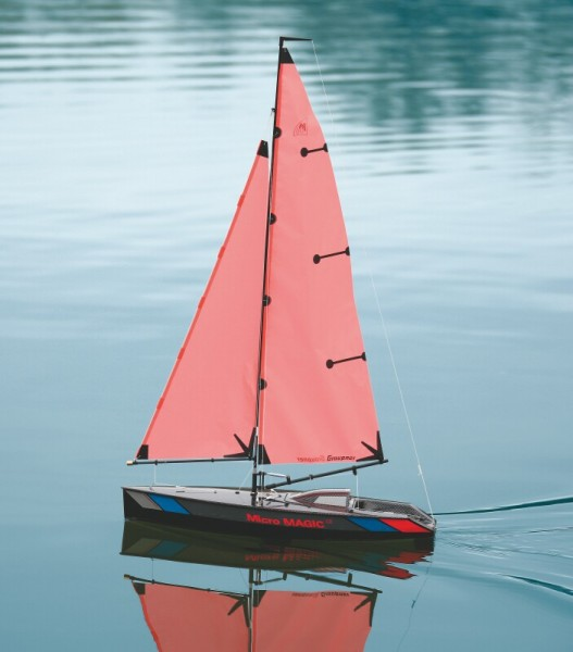 Micro Magic Regatta Segelschiff Carbon Design
